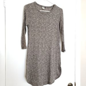 🎀Cleo Apparel Woman's Fitted Mid-Sleeve Dress